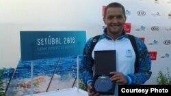 Жағажайдағы Азия ойындарында екі алтын алған Виталий Худяков (Сурет Қазақстан су спорты федерациясының сайтынан алынды).