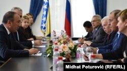 Crnadak je obećao Lavrovu da se pozicije BiH na međunarodnoj sceni neće promijeniti kada je u pitanju stav o uvođenju sankcija zemalja EU Rusiji ili stav oko priznavanja Kosova