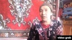 Мавлюда Шарипова, жительница села Кажар в Кыргызстане, выселения семьи которой требуют односельчане.