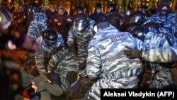 Yekaterinburqda iğtişaş polisi və etirazçılar toqquşub
