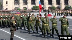 Armenia - Russian soldiers march during a military parade in Yerevan, 21Sep2011