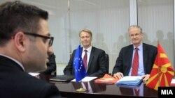 Архивска фотографија: Средба на вицепремиерот на евроинтеграции Фатмир Бесими со Кристијан Даниелсон, генерален директор на Директоратот за проширување во Европската комисија на 7 февруари 2014 година.
