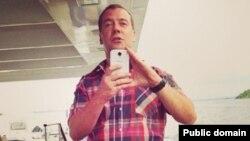 Русия премьер-министры да selfie итештергәли