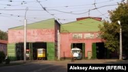 Трамвай депосы. Алматы, 8 қыркүйек 2006 жыл.
