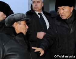 Встреча Нурсултана Назарбаева c жителями Жанаозена. Мангистауская область, 22 декабря 2011 года.