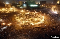 Sheshi Tahrir, 11 shkurt 2011...