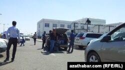 Aşgabadyň merkezinden takmynan 10 kilometr uzaklykda ýerleşýän täze duralga.