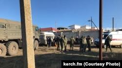 Селяни конфліктують із військовими в Золотому, 22 грудня 2017 року, фото «Керч ФМ»