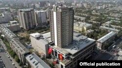 Франшизалык жол менен ачылган Бишкектеги «Sheraton» мейманканасы.
