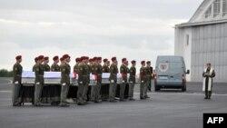 Չեխիա - Աֆղանստանում զոհված չորս չեխ զինծառայողների դիերը տեղափոխվում են հայրենիք, Պրահա, 10-ը հուլիսի, 2014թ․