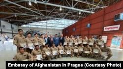 آرشیف، پیلوتهای فارغ شده افغان در جمهوری چک