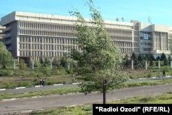 Бинои Донишгоҳи давлатии Хуҷанд.