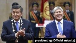 Сооронбай Жээнбеков жана Алмазбек Атамбаев.