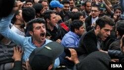 У Тегерані сотні іранців протестували проти Саудівської Аравії, 11 квітня 2015 року