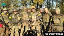 Ярослав Погорелий з побратимами з 79-ї аеромобільної бригади