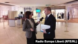Corespondenta Europei Libere Eugenia Pogor, în dialog cu ministrul moldovean al justiţiei Vladimir Cebotari