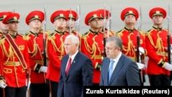 Вице-президент США Майк Пенс и премьер-министр Грузии Георгий Квирикашвили в Тбилиси 31 июля 2017