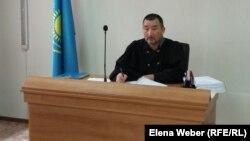 Судья Талгат Курманов, рассматривающий дело в отношении заместителя акима Нуринского района. Карагандинская область, 23 сентября 2015 года.