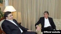 Михаил Саакашвили и Виктор Ющенко видят у ГУАМ многообещающее будущее