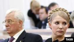 Prime Minister Yulia Tymoshenko and ex-President Leonid Kravchuk at a hearing of the Higher Administrative Court in Kyiv.