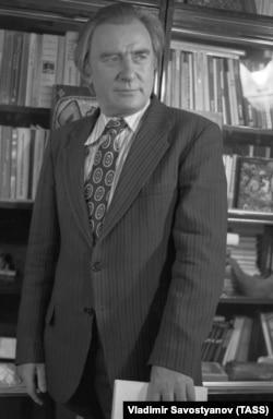 Поэт Егор Исаев, 1980 год
