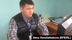 Заведующий отделом магистратуры и докторантуры Высшей школы общественного здравоохранения города Алматы Галымжан Мещанов. Алматы, 23 декабря 2013 года.