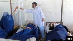 Takhar: Disa vajza që kanë pësuar nga sulmet me gaz helmues.