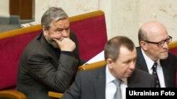 Депутат Верховной Рады Иван Плющ(слева)