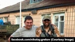 Микола Греков (праворуч)