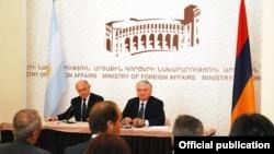 Հայաստան -- Հայաստանի եւ Արգենտինայի արտգործնախարարների համատեղ ասուլիսը Երեւանում, 4-ը սեպտեմբերի, 2012թ․