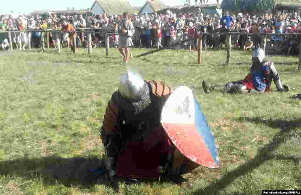 Лицарський турнір проходив у рамках етнофестивалю «Олексіївська фортеця»
