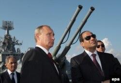 Абдель Фаттах ас-Сиси в гостях у Владимира Путина в Сочи. Февраль 2014 года