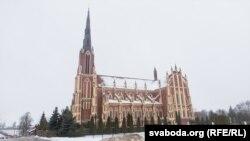 Касьцёл у Гервятах — пэрліна Астравецкага раёну — за 10 км ад будучай АЭС