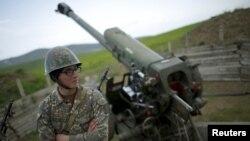 Армянский военнослужащий в Мартуни, Нагорный Карабах. Иллюстративное фото.