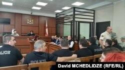 Судебное заседание в Рустави по делу полицейских, 9 октября 2019 г.