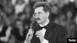 Влад Листьев, один из самых популярных деятелей российского телевидения в первой половине 1990-х годов.
