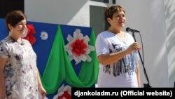 Алла Пономаренко (справа)