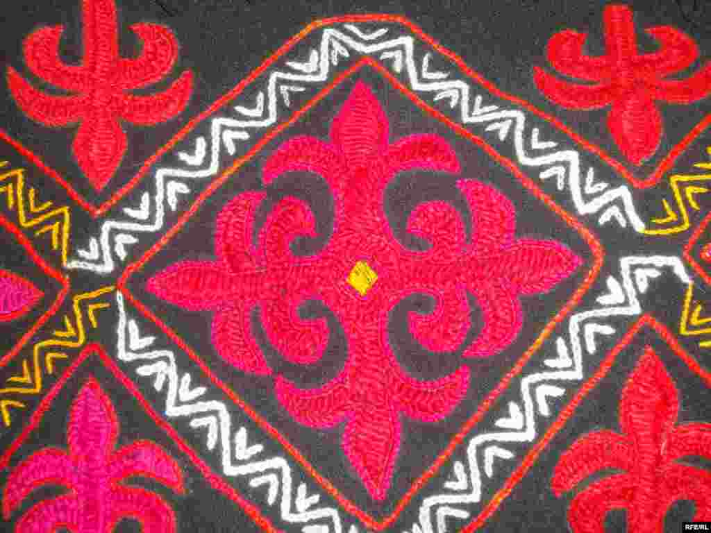 Многообразие кыргызского орнамента #10