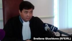 Судья Сарыаркинского районного суда Куаныш Жаксыбергенов. Астана, 4 октября 2012 года.
