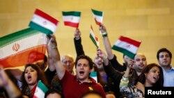هواداران ایرانی تیم ملی کشتی در نیویورک
