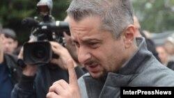 Гендиректор «Рустави 2» объявил о том, что его пытаются шантажировать. По словам Ники Гварамия, вчера ему предложили «отойти в сторону», в противном случае пригрозили обнародовать на него компромат
