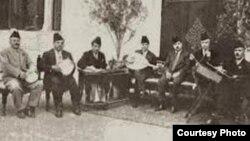 فرقة الجالغي البغدادي والقبانجي في الوسط