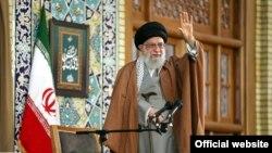 رهبر جمهوری اسلامی ایران روز پنجشنبه در مشهد، راهاندازی سازوکار مالی ویژه اروپاییها را به «شوخی تلخ» تعبیر کرد که به گفته او «بی معنی است.»