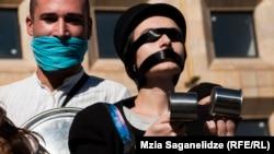 اعتراض به خشونت علیه زنان در گرجستان سال ۲۰۱۴ ، عکس تزئینی است