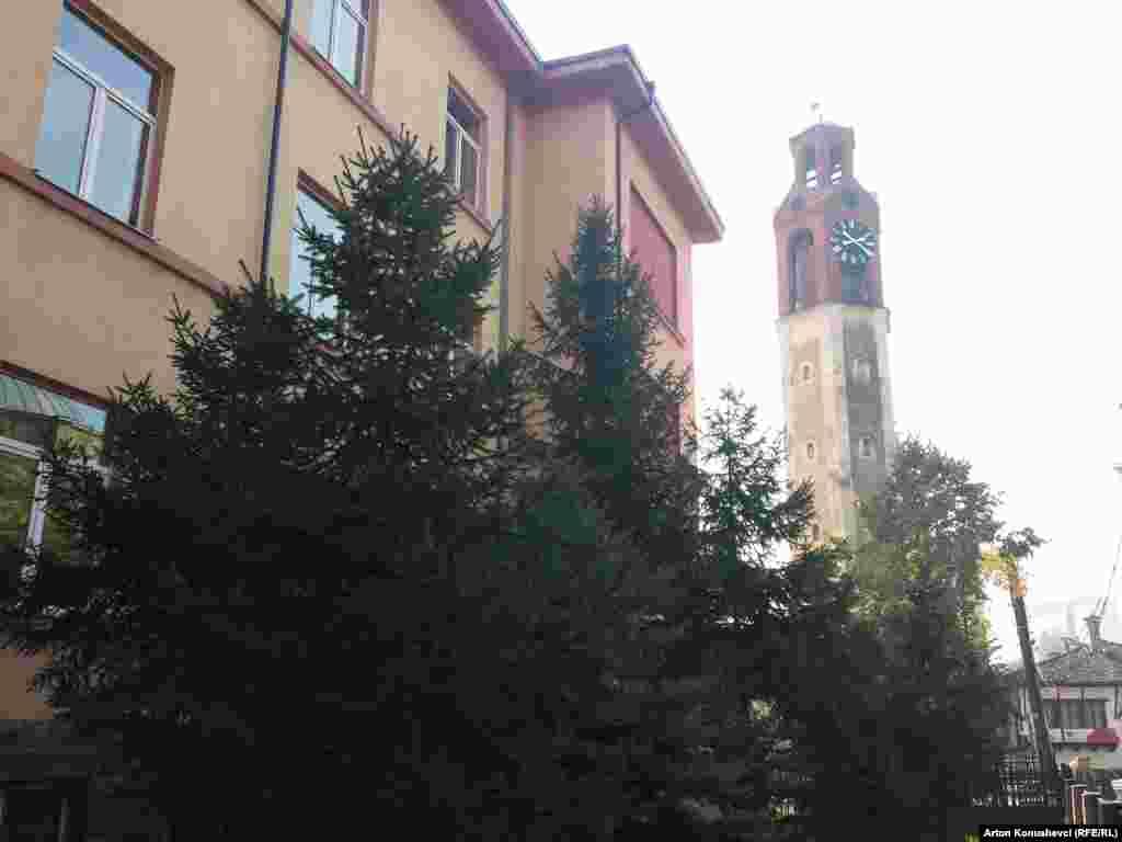 Часовая башня 19-го века в Приштине.