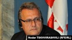 Глава - сопредседатель комиссии парламентариев Грузия-ЕС Милан Царбнох - уверяет: сферы, которые будут затронуты в этом документе, очень широки, так же широки, как и круг вопросов, над которым предстоит работать грузинскому правительству