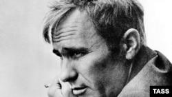 Творчество и фигура Василия Шукшина стали каноном и советской, и российской литературы