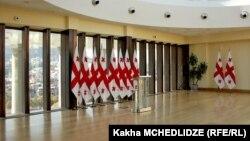 Президент намерен вместе с парламентариями и экспертами проработать вопрос внесения изменений в закон об общих судах
