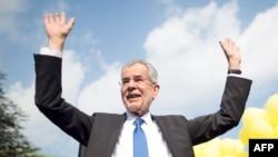 Александер Ван дер Беллен, победивший на выборах президента Австрии 22 мая