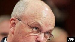مایکل هایدن می گوید ايرانی ها دست کم مايل هستند تا شرايط ساخت بمب اتمی را امکان پذير کنند (عکس: AFP)